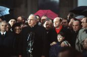 East German Prime Minister Hans Modrow, West German Chancellor Helmut Kohl, and mayor of West Berlin Walter Momper among other figures take part in the official opening of the Brandenburg Gate on 22 December 1989.