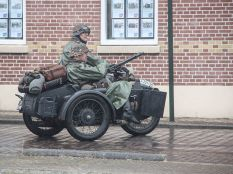 Motorcycle with sidecar mounted MG 42.