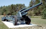 Preserved sFH 18 howitzer at CFB Borden.