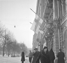 Finnish flags at half-mast in Helsinki on 13 March 1940 after the Moscow Peace Treaty became public.