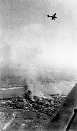 Ju 87B over Stalingrad.