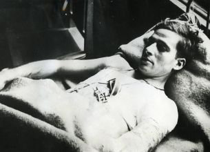 Second lieutenant José Escobedo severely wounded and decorated with an Iron Cross First Class for his bravery escaping a Russian POW camp.