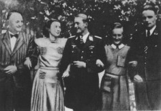Ludwig Hahn (right), with his wife Charlotte, sister of Steinhoff (center).