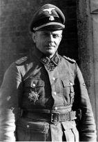 Heinz Harmel.