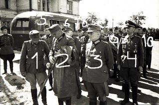 """On July 17, 1944, over 20 captured German generals were driven through the streets of Moscow, a Soviet propaganda coup called the """"Parade of Generals""""; 1) Vincenz Müller , 2) Paul Völckers, 3) Friedrich Gollwitzer , 4) Kurt-Jürgen Freiherr von Lützow , 5) Rudolf Bamler , 6) Walter Heyne , 7) Adolf Hamann , 8) Edmund Hoffmeister , 9) Gustav Gihr and 10 ) Gottfried von Erdmannsdorff."""