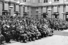 In the first row from left to right: Hanns Oberlindober , Fedor von Bock , Erhard Milch , Heinrich Himmler , Karl Doenitz , Wilhelm Keitel, Hermann Goering and Adolf Hitler at the Memorial Day on March 21, 1943 in the Zeughaus Berlin .