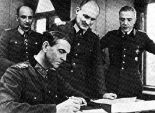 Field Marshal Friedrich Paulus (seated) and Colonel Wilhelm Adam (center) in Soviet captivity, 1943 prisoner of war camp 5110/48 Woikowo, Lubyanka if necessary; Lieutenant-General Arthur Schmidt on the left and General of the Artillery Walther von Seydlitz-Kurzbach on the right.