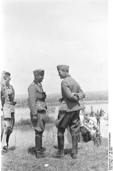 General Kortzfleisch (right), 1941.