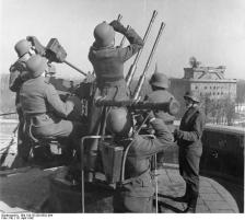 German soldiers on quad-mounted 2-cm-Flak, 16 April 1942.