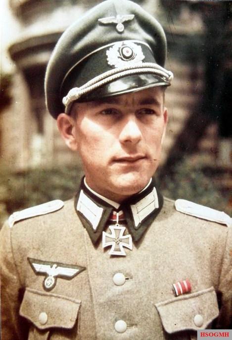 Oberleutnant d.R. Alfred Schreiber.
