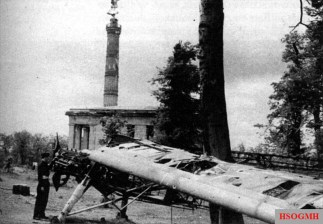 The wreck of the Fieseler Storch, with which Hanna Reitsch and Robert Ritter von Greim flew on April 27, 1945 to Adolf Hitler in Berlin.