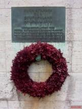 Memorial plaque for resistance members and wreath at the Bendlerblock, Berlin.