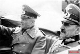 The commander-in-chief of the army, Field Marshal Walther von Brauchitsch, arrives in Paris on 21 May 1941 by air . He is picked up by the military commander in France, General of the Infantry Otto von Stülpnagel , from the airport.