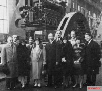 Chinese Minister Chiang Tso-pin and entourage visiting a German factory, 1928.