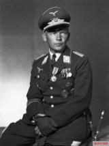Wolfram von Richthofen , aviator of both world wars and the Legion Condor , in the uniform of the Luftwaffe.