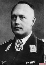 Lieutenant General Geisler as Knight Cross Bearer and Commanding General of the X. Flieger Corps.