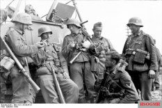 Soldaten taking a rest in 1942.
