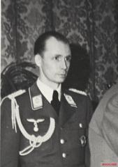 Von Below as Luftwaffe adjutant to Adolf Hitler.