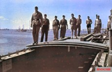 This photo shows a MFP (or an Italian MZ) in the North African harbor (could be Benghazi or Tripoli), the load compartment cover (corrugated iron) is open at the bow.