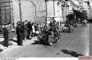 A motorcycle unit of the division in Rome, November 1943.