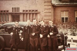 """Pilots from Nachtjagdgeschwader 1 (NJG 1) pictured in the winter of 1940/1941 in front of a U.S. made Ford 1939 Mercury Eight car. FLTR: Leutnant Reinhold Knacke (Flugzeugführer in 2./NJG 1. Ritterkreuz 1 July 1942 and Eichenlaub 7 February 1943. 44 abschusse), Leutnant Kurt Loos (Flugzeugführer in 2./NJG 1. Deutsches Kreuz in Gold 21 August 1942. 10 abschusse), Leutnant Wolfgang """"Ameise"""" Thimmig (Flugzeugführer in 2./NJG 1. Deutsches Kreuz in Gold 12 July 1943. 23 abschusse), Leutnant Hermann Reese (Flugzeugführer in 2./NJG 1. Ehrenpokal. 5 abschusse), and Leutnant Hans-Dieter Frank (Flugzeugführer in 2./NJG 1. Ritterkreuz 20 June 1943 and Eichenlaub 2 March 1944. 55 abschusse)."""