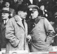 Chancellor Franz von Papen (left) with his eventual successor, the Minister of Defence Kurt von Schleicher.