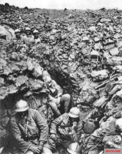 French 87th regiment near Verdun, 1916.