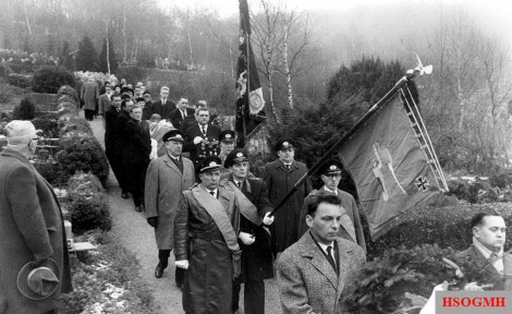 Endless ranks of mourners: On December 28, 1961, Kurt Meyer was solemnly buried in the cemetery in Hagen-Delstern.