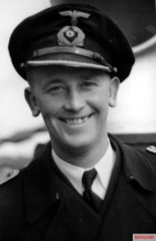 Kapitänleutnant Asmus Nikolai Clausen.