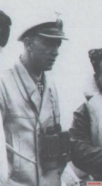 Kapitänleutnant Heinrich Schonder on board.