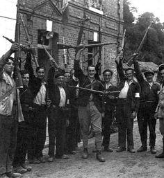 jewish-partisans-holding-german-98k-karabiner-rifles