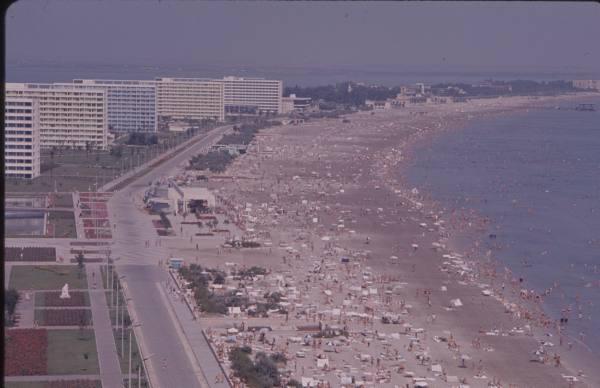 Vara la mare. În 1964