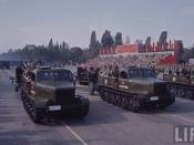Şenilete la defilarea din Bucureşti de 23 august 1964