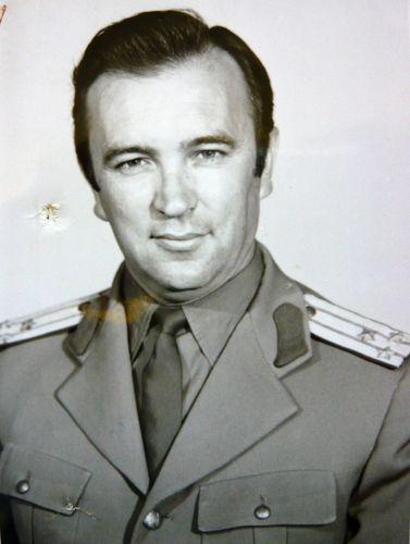 Super-spionul român Mihai Caraman: o fotografie inedită şi fişa de cadre
