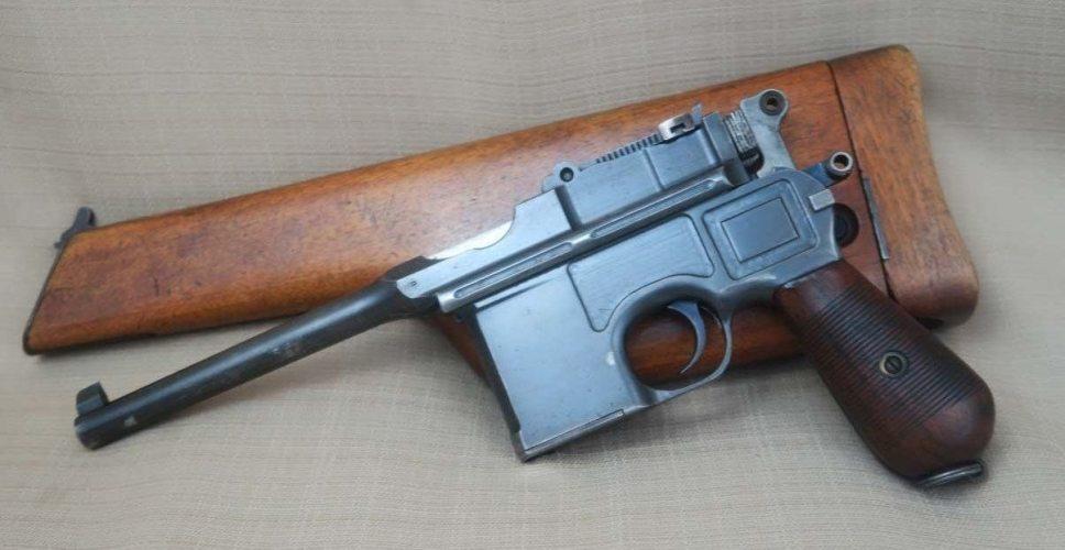 O istorie a armelor de foc: Mauser C96 primul pistol semiautomat militar