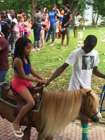 sumfest pony rides2