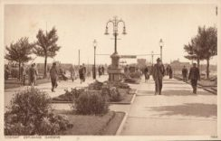 The Gambier fountain when it was located in the Ferry Gardens