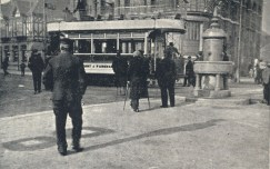 Old photo showing the Gambier fountain