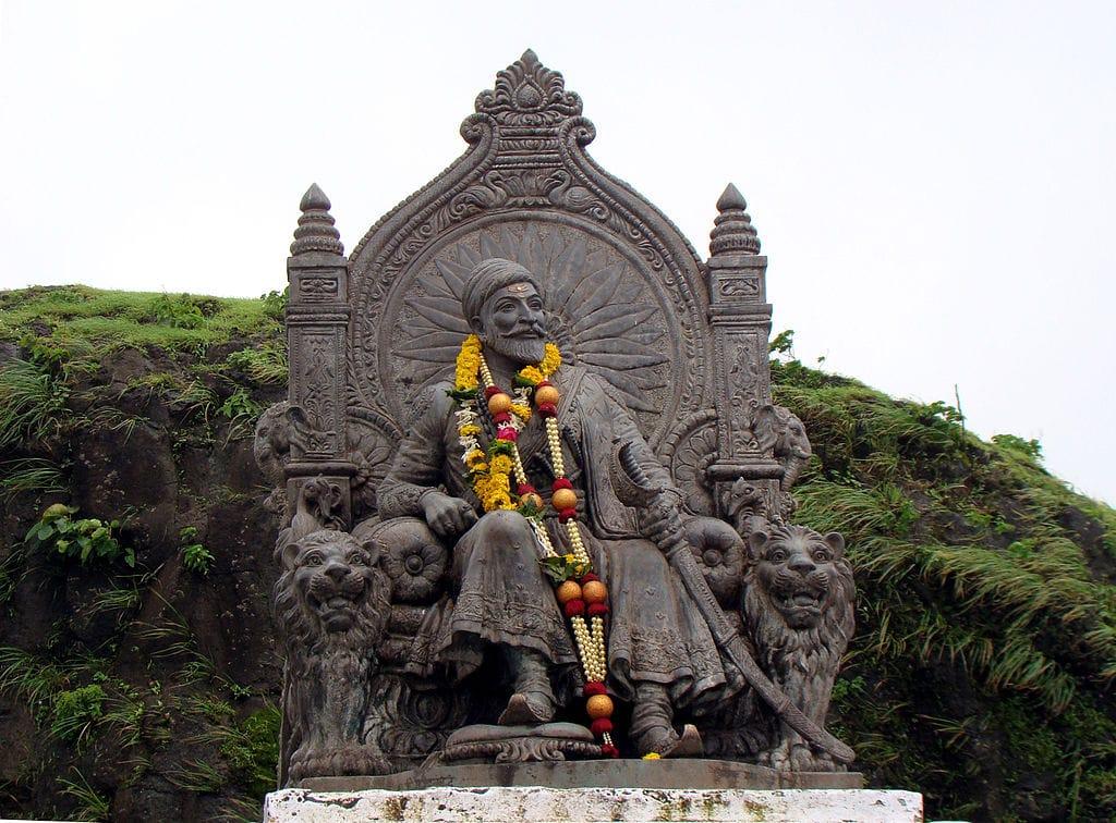 Shivaji Maharaj Images statue at Raigad