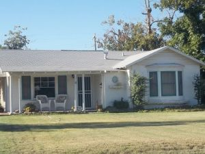 house,for sale,real estate,old,neighborhood,1940s,Country Club Park,Historic,area,Home