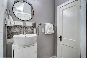 bathroom,historic,phoenix,,real,estate,district,home,queen anne,district