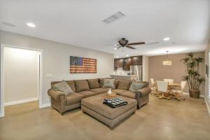 neighborhood,area,historic,scottsdale,home,sale,district,remodeled,luxury