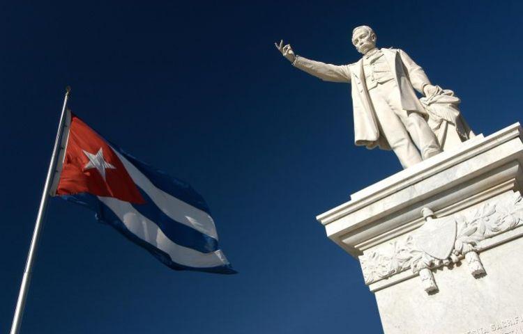 Monument voor José Martí in Cienfuegos (CC BY-SA 3.0 - Vgenecr)