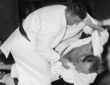 Anton Geesink (links) en Willem Dadema, 1961 (cc - Nationaal Archief)