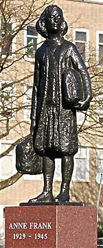 Monument Anne Frank op het Merwedeplein in Amsterdam