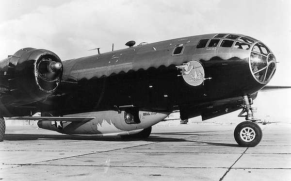 B-29 met daaronder de XS-1