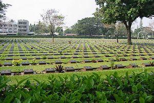 Begraafplaats voor overleden dwangarbeiders in Kanchanaburi, Thailand