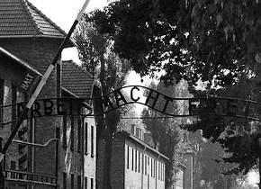 Toegangspoort van Auschwitz