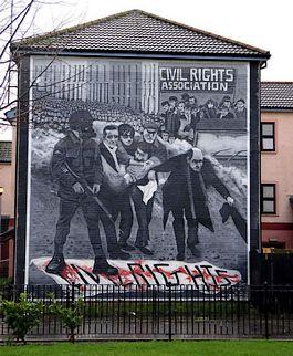 Muurschildering in Derry die herinnert aan 'Bloody Sunday'