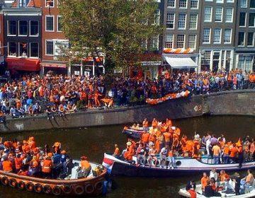 Prinsengracht in Amsterdam tijdens Koninginnedag 2010 - cc